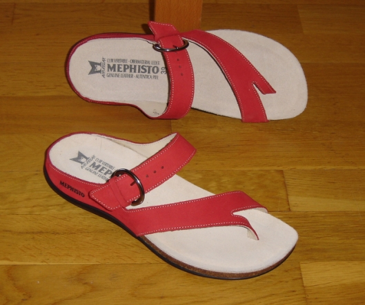 sandals-001.jpg