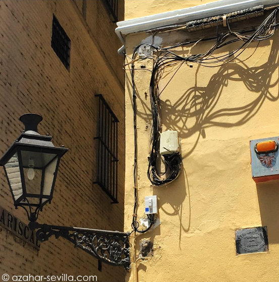 typical spanish wiring casa azahar rh azahar me Electrical Outlet Wiring Diagram Electrical Wiring Diagrams For Dummies